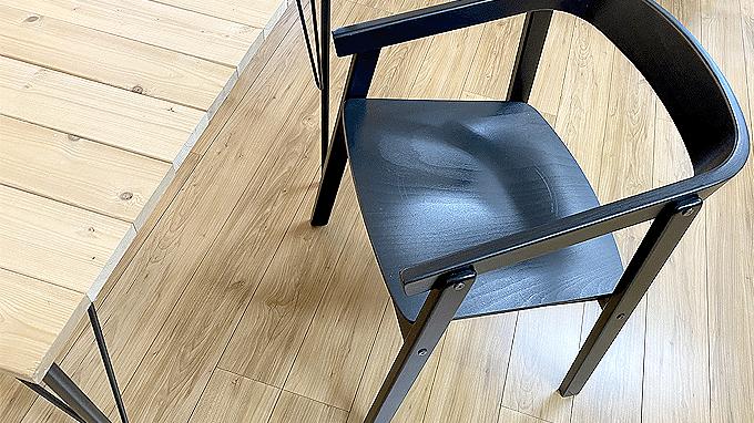 椅子脚カバーで椅子のうるさい音を解消します