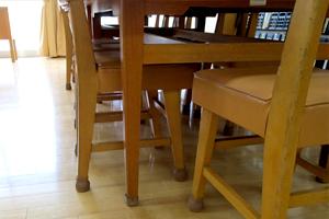 図書室のイス