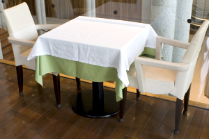 使用されているイスとテーブル