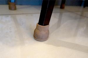 家具のスベリ材キャップ